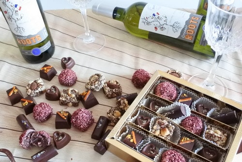 Vegan Assorted Chocolate & White Wine Hamper