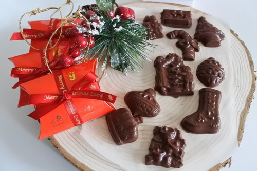 vegan christmas tree favours