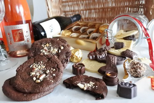 Organic Chocolate & Champagne Hamper